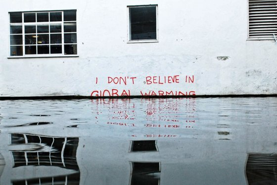 Banksy, Global Warming, 2009, street art, rights reserved.
